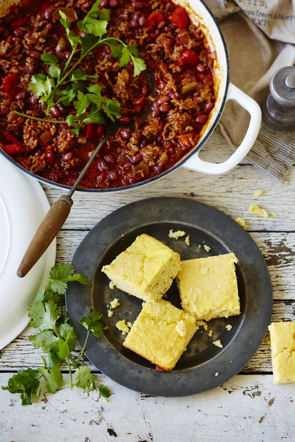 Chilli con carne with corn bread - auzure Canola Oil
